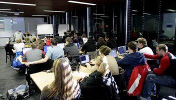 Auf fast allen Stufen fehlt es in der Schweiz derzeit an Klassenlehrpersonen