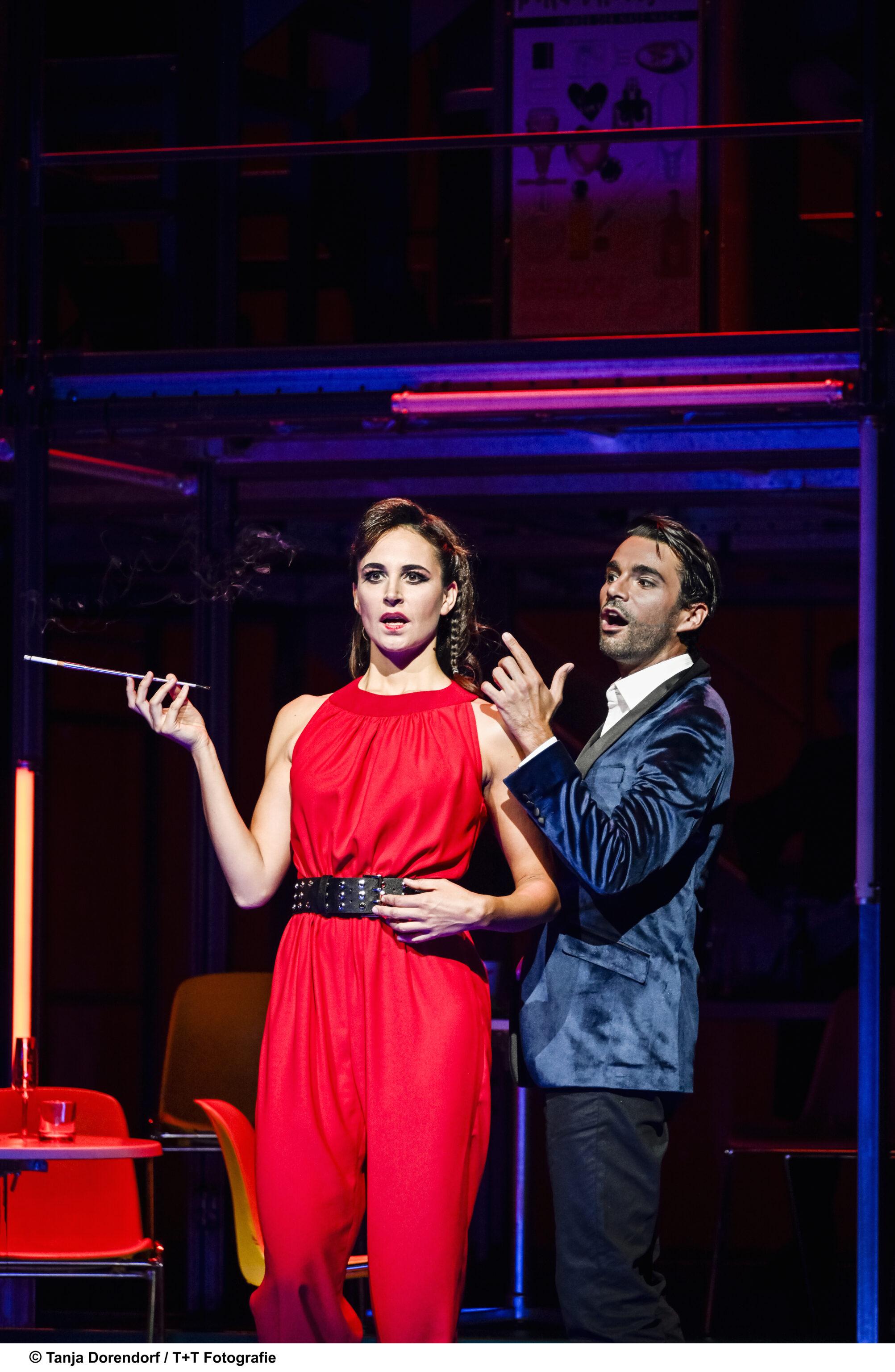 Florentine Krafft und Luka Dimic turteln in Paradise City, dem Musical von Konzert Theater Bern