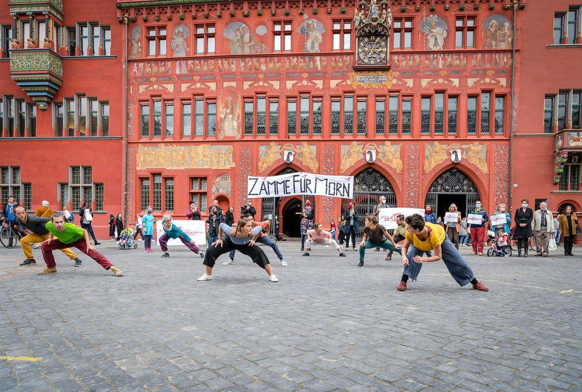 In Basel wird eine Klimagerechtigkeitsinitiative eingereicht, die Klimaneutralität bis 2030 fordert