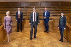 Der neue Berner Gemeinderat mit Marieke Kruit SP, Michael Aebersold SP, Alec von Graffenried GFL, Reto Nause CVP und Franzika Teuscher GB