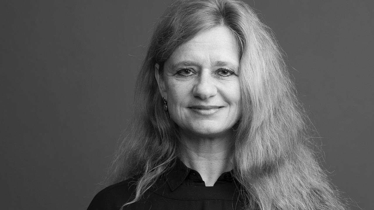 Brigitte Hürlimann beleuchtet Verklüngelung und Kultur des Schweigens bei Polizeigewalt auf