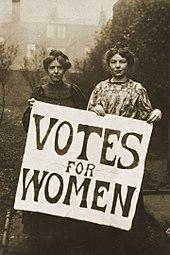 Heute im Zeitsprung machen wir eine kleine Zeitreise rund um die Welt, durch die unglaubliche Geschichte des Frauenwahlenrechts